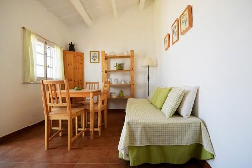 Salón y comedor de la casa de invitados