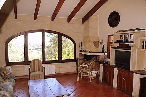 sala de estar con vista panoramica al valle