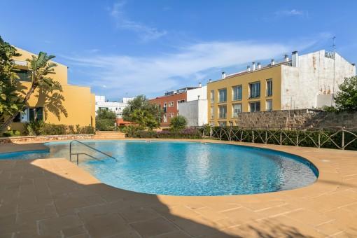 La piscina es ideal para disfrutar el verano