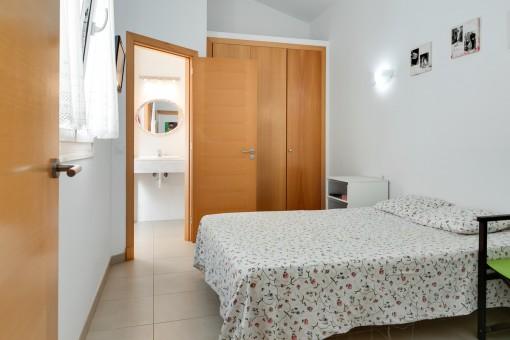 Doritorio doble con baño en suite