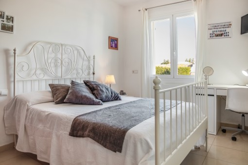 Hermoso dormitorio doble en la planta baja