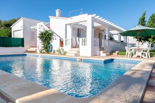 Bonita casa con piscina y licencia para alquiler vacacional en Cala en Porter