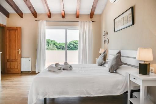 Vista alternativa del dormitorio