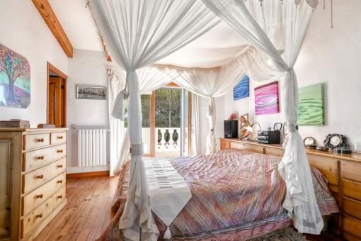 Maravillosa cama con baldaquino