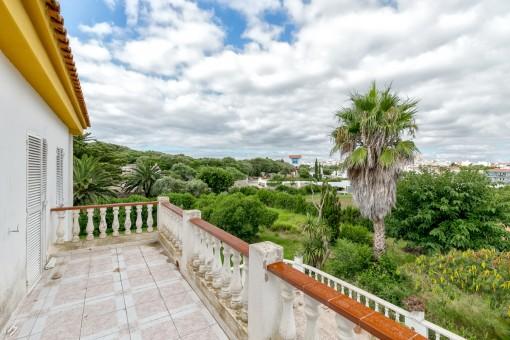 Balcón con vistas al jardín