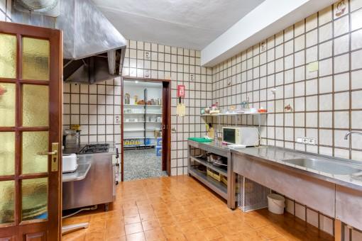 Amplia área de cocina