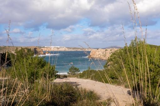 Solar en Arenal den Castell Playa