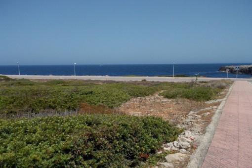 Terreno edificable en primera línea de mar en Punta Grossa