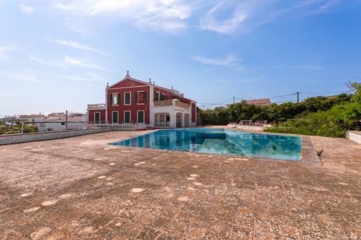 Villa en Es Castell para vender
