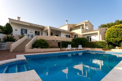 Fantástica villa grande con piscina en La Mola