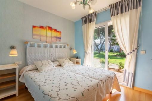 Dormitorio doble con otra terraza