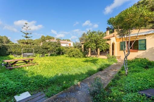 Bonito chalet en Addaia con un gran jardín y terraza - comprar