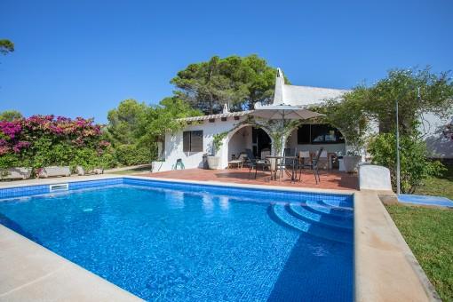 Finca romántica con piscina en Sant Lluis